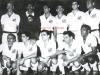 1957-em-pe-getulio-manga-urubatao-jogador-nao-identificado-ramiro-e-fioti-agachados-alfredinho-alvaro-pagao-vasconcelos-e-dorval