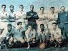 1958-em-pe-ramiro-helvio-getulio-manga-dalmo-zito-e-o-tecnico-lula-agachados-dorval-alvaro-pagao-pele-e-pepe