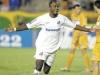2006-04-19-brasiliense-1-x-1-santos-copa-do-brasil-atacante-reinaldo-comemora-seu-gol-600x